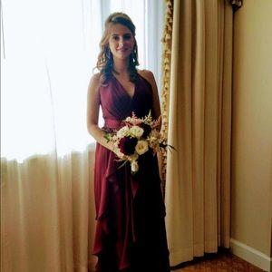 Dresses & Skirts - Vera Wang sized 4 burgundy bridesmaid dress